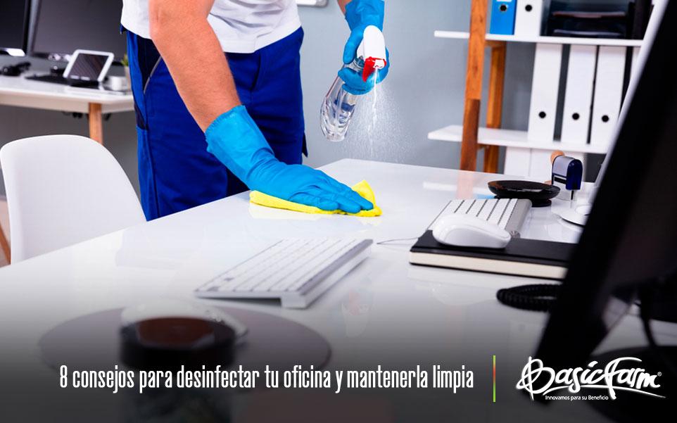 limpieza oficina manos desinfectante